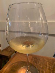 中野アッカ グラスワイン